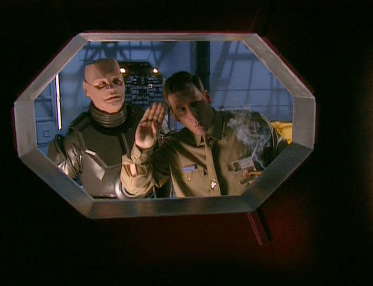 Rimmer being a dick to Captain Hollister through the porthole