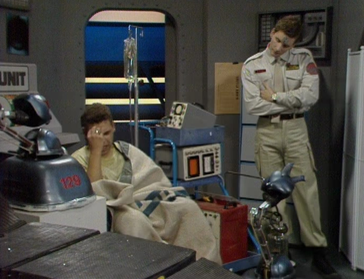 Lister and Rimmer in the medical unit